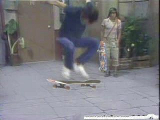 Agora eu seeeei exatamente como andar de skate - meme