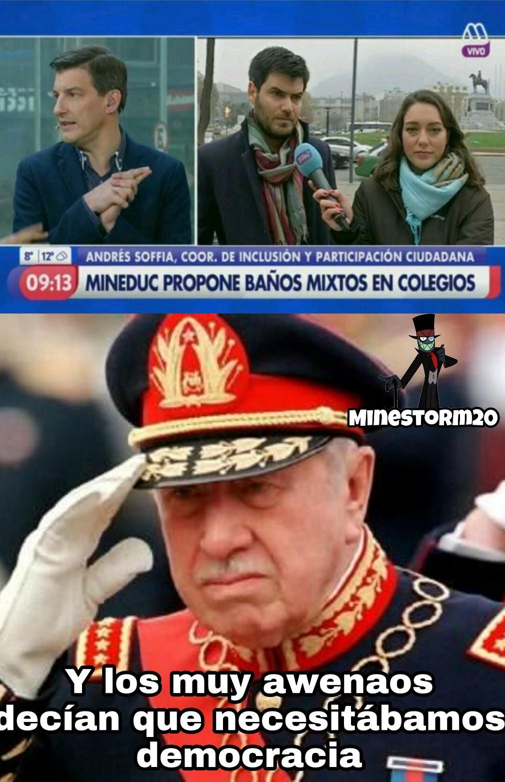 Pinochet Héroe - meme