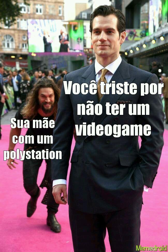 Polystation Salvando muitos - meme