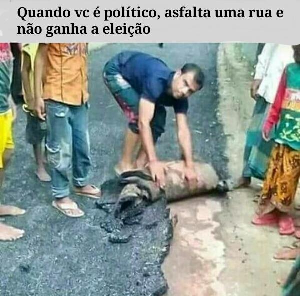 Político é merda - meme