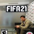 No sabía si poner a Messi jugando play o al Aguero streamer