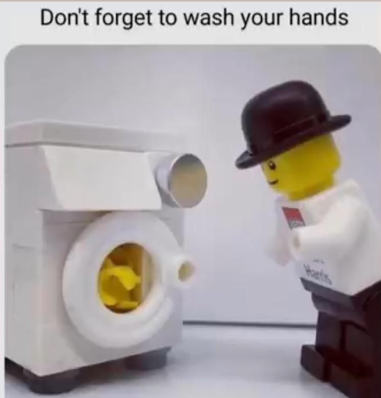 Já lavaram as mãos? - meme