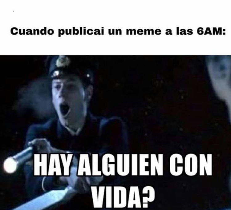momos2021 - meme