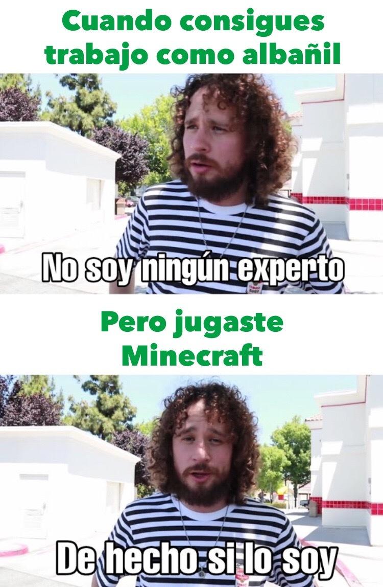 El título está jugando Minecraft - meme