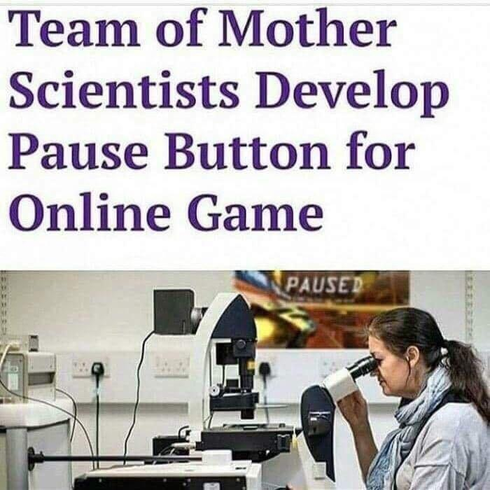 Pause the game - meme