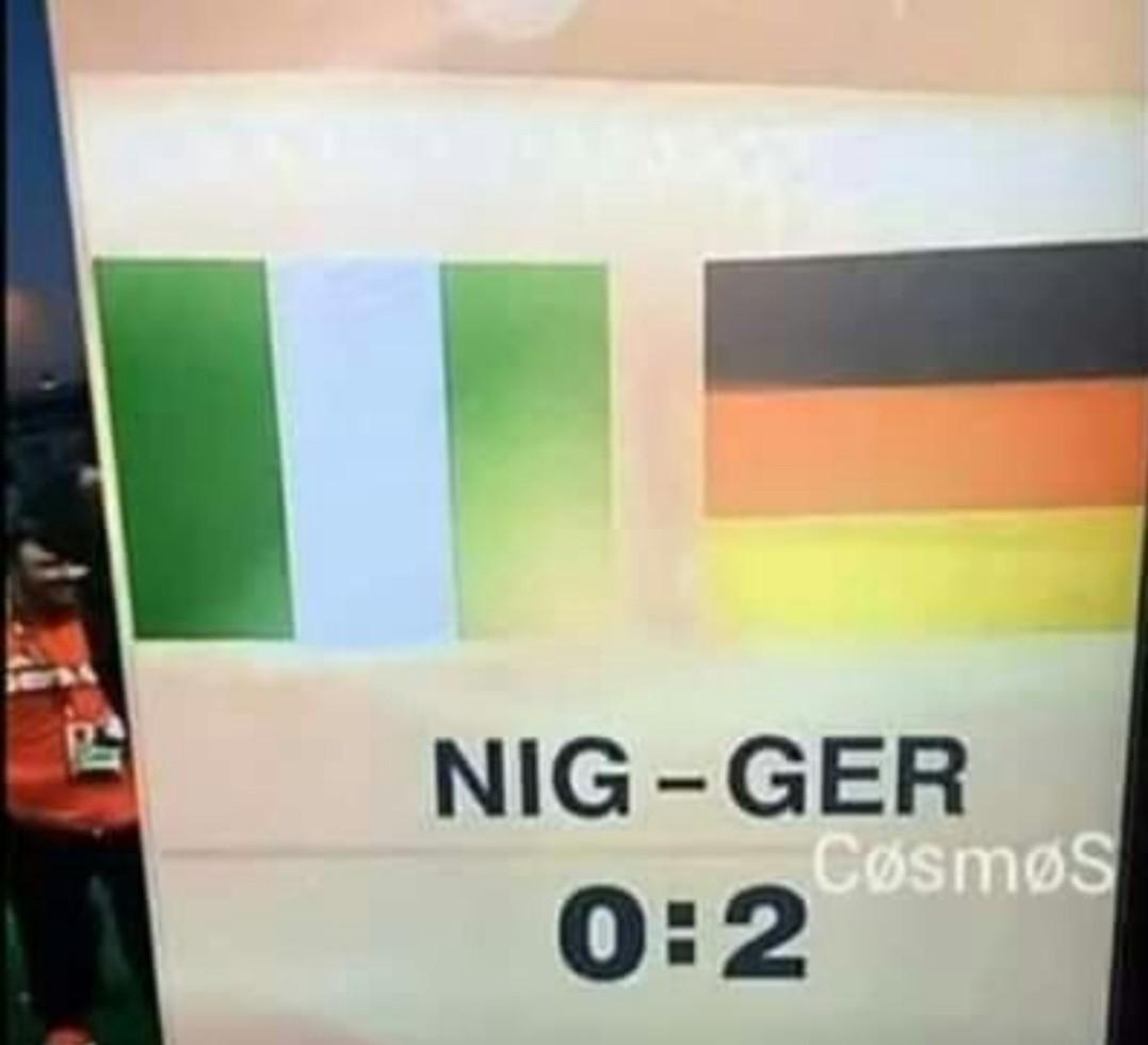 Futbol racista - meme