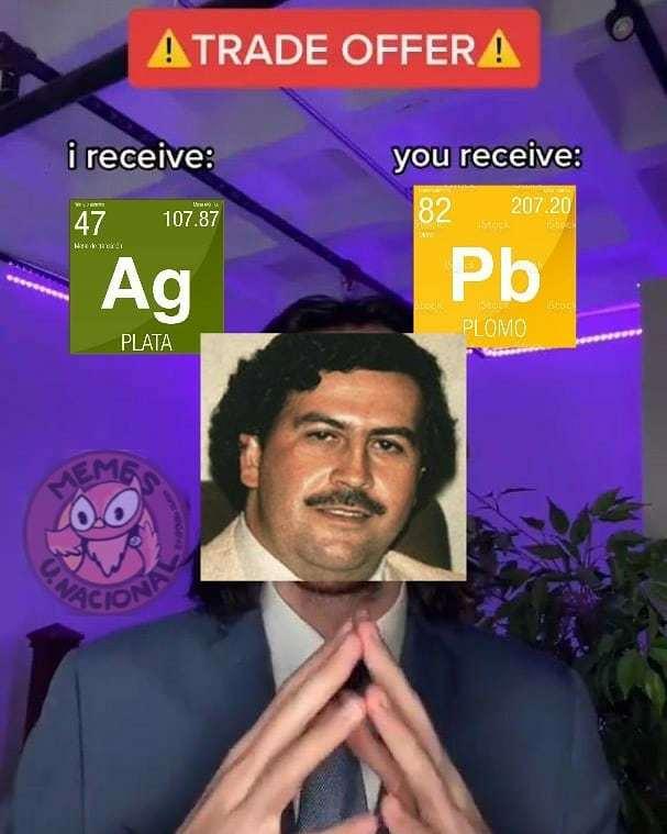 Sigan la página de memes de mi U :v