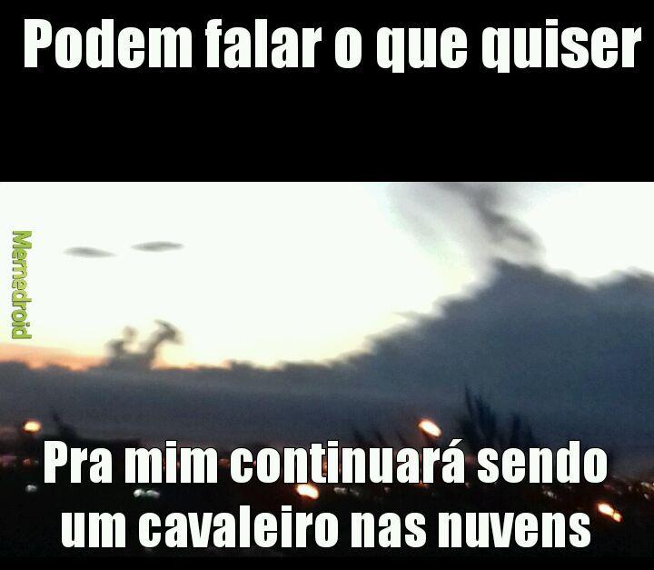Cavaleiro nas nuvens - meme