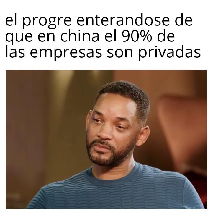 Hay que ser pelotudo para creer que el comunismo funciona - meme