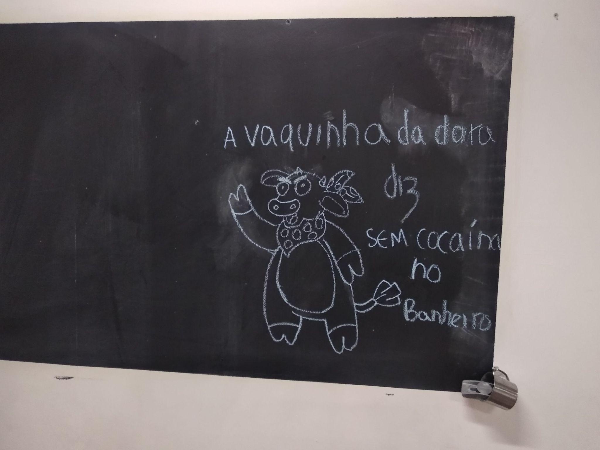 Nova pérola pro quadro do corredor da faculdade - meme