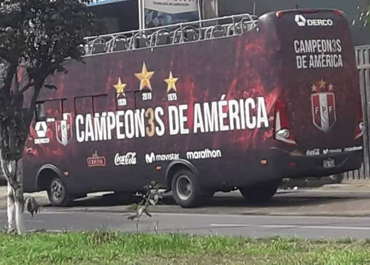 Momentos Bizarros del Futbol Peruano - meme