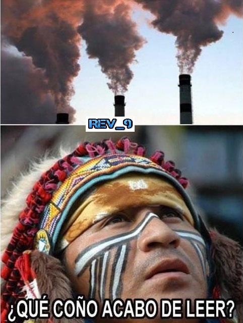 """les esplico, los antiguos indigenas se comunicaban con humo y pues el indio a l ver esto se quedo como quien decir """"que verga"""" - meme"""