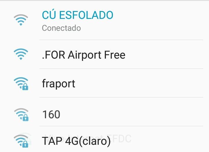 Quando você vai botar o wifi do aeroporto mais acha um melhor - meme