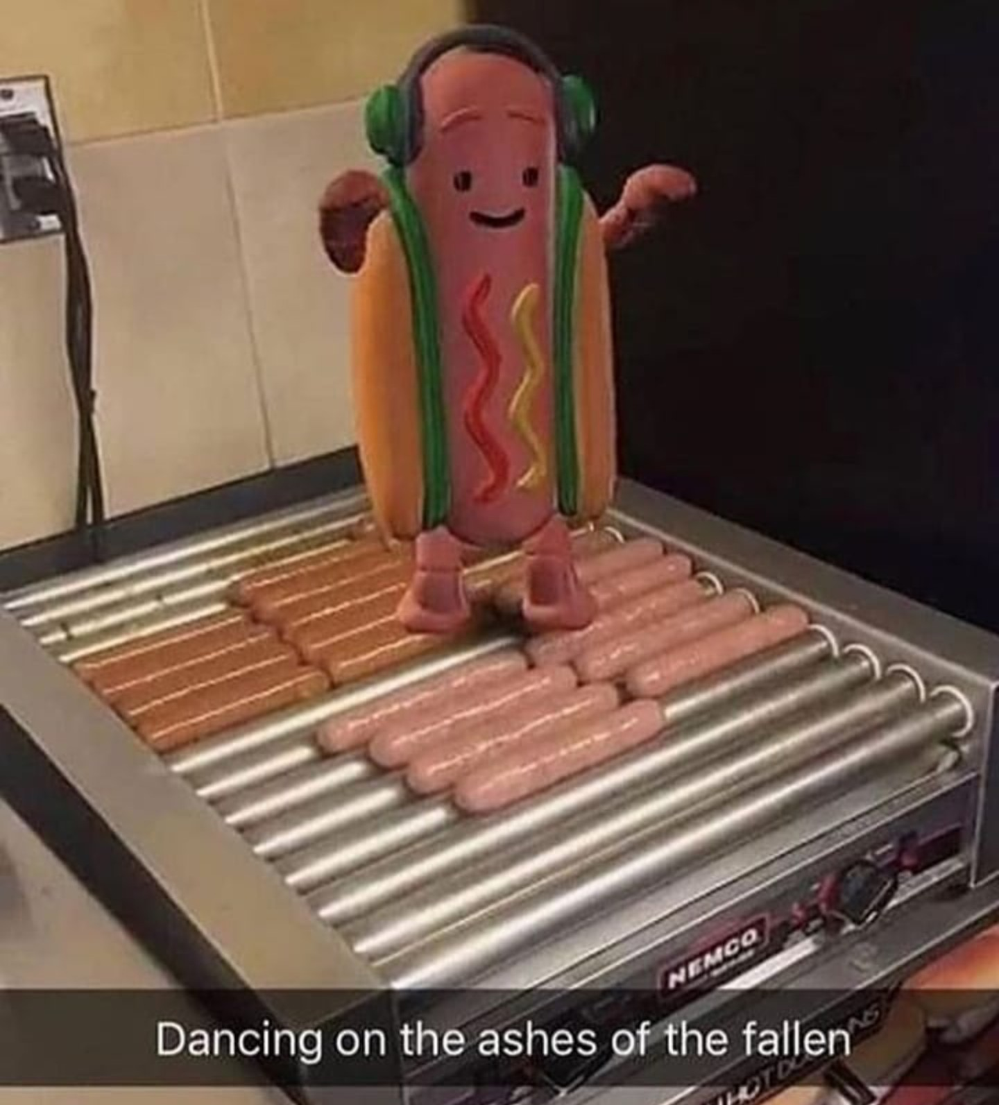 I wanna hot dog now - meme