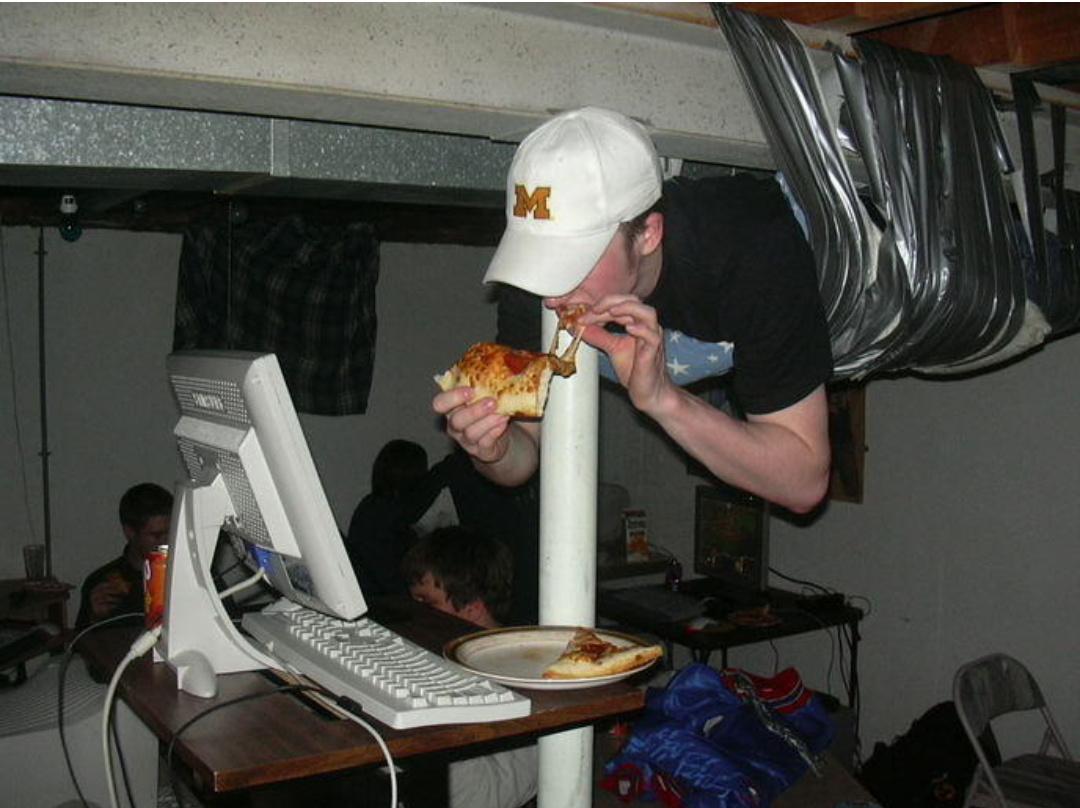 Moi je mange ma pizza au plafond et toi t'es jaloux - meme
