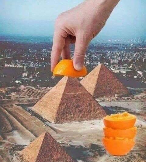 La vraie fonction d'une pyramide... - meme