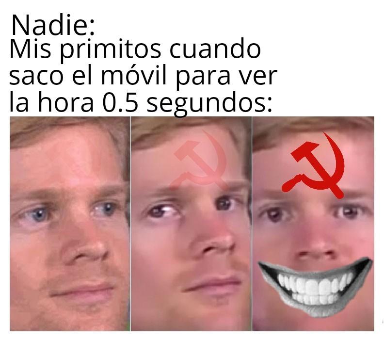 *Himno de la URSSS comienza a sonar* - meme