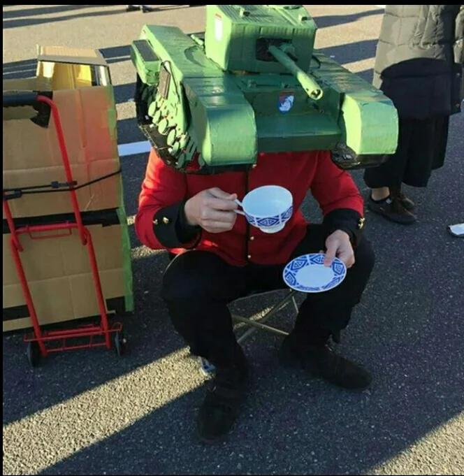 Posé je bois mon thé - meme