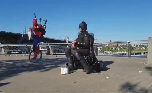 Los superheheroes también sufren del golpe económico - meme