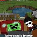El título fue a jugar minecraft pd:regrese :0 a los memes