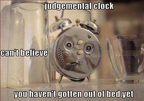 Judgemental clock - meme