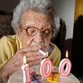 Cuando tenga 100, quiero que mi cumpleaños sea como el de esta vieja XD