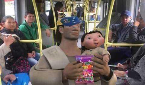 Quien me compra una bolsa de bimbombumba estan baratos - meme