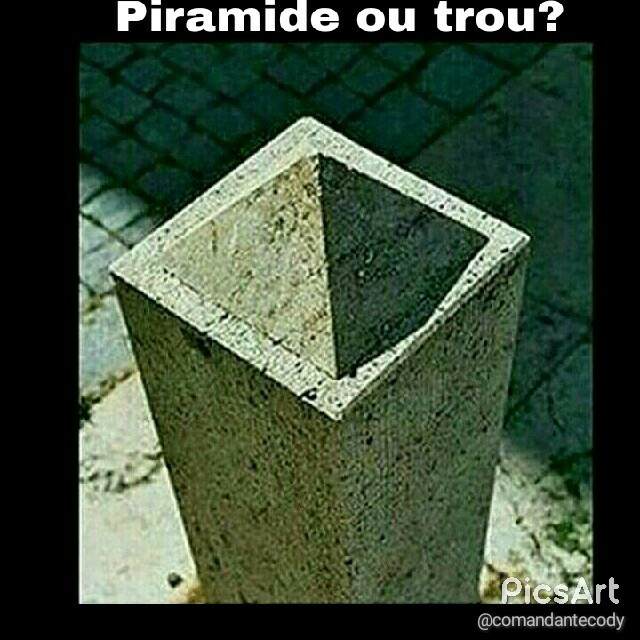Je crois que c'est piramide :-/