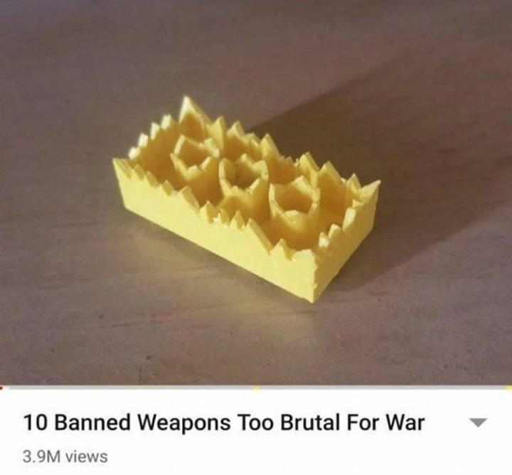 (Une ) arme trop brutales pour servir pendant une guerre - meme
