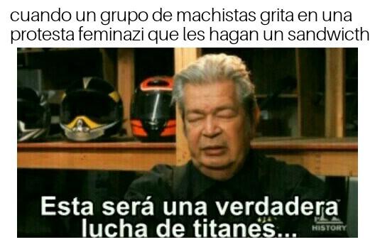 Lucha de titanes - meme