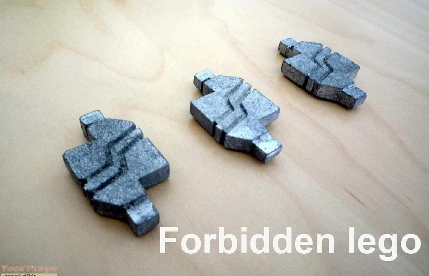 Forbidden legos - meme