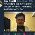 tradução: como eu consegui tirar foto do espelho sem camera? TUDO EH POSSÍVEL COM DEUS