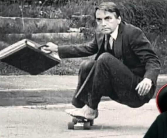 Bolsonaro de skate - meme