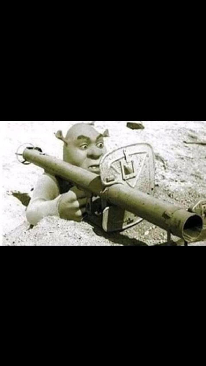 Shrek WW2 - meme