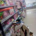 Mi mamá cuando estábamos en las tiendas