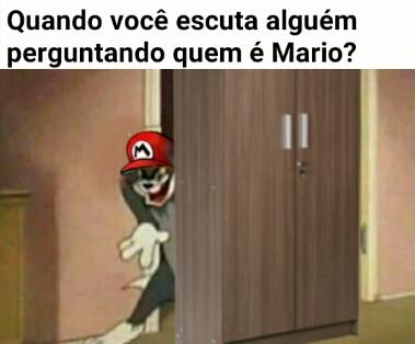 Atrás do armario - meme