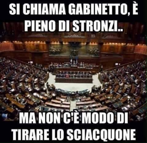 Parlamento di merda - meme