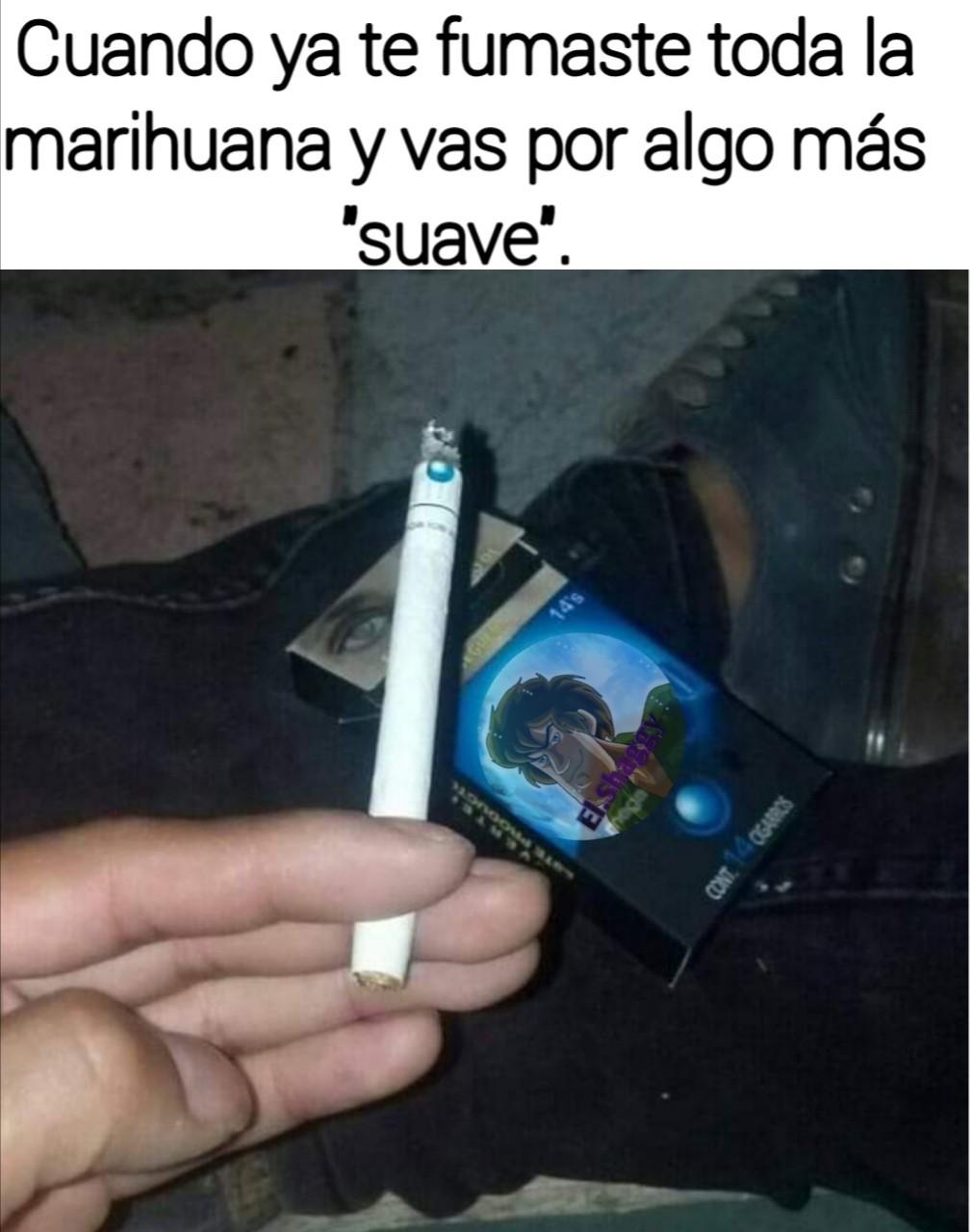 El título se fue a fumar un cigarro - meme