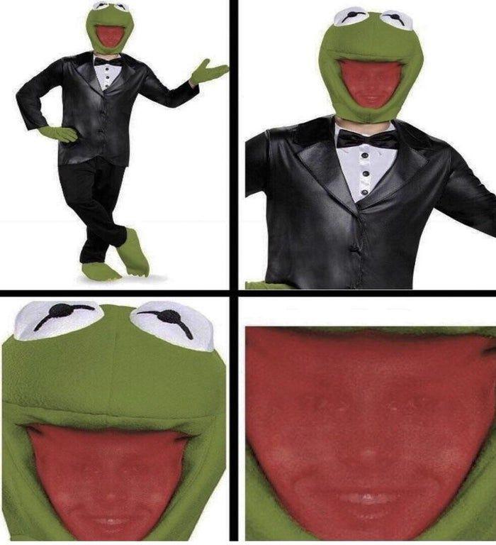 he sees you - meme
