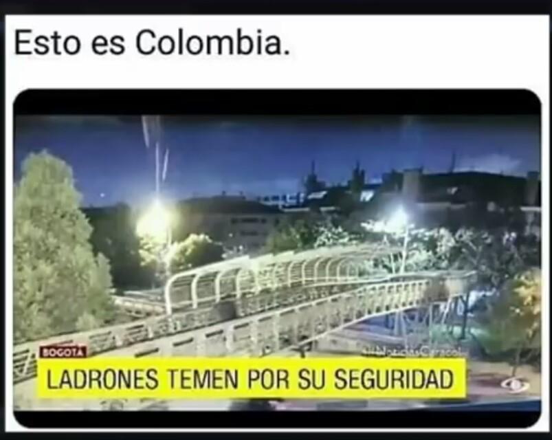 Esto es colombia - meme