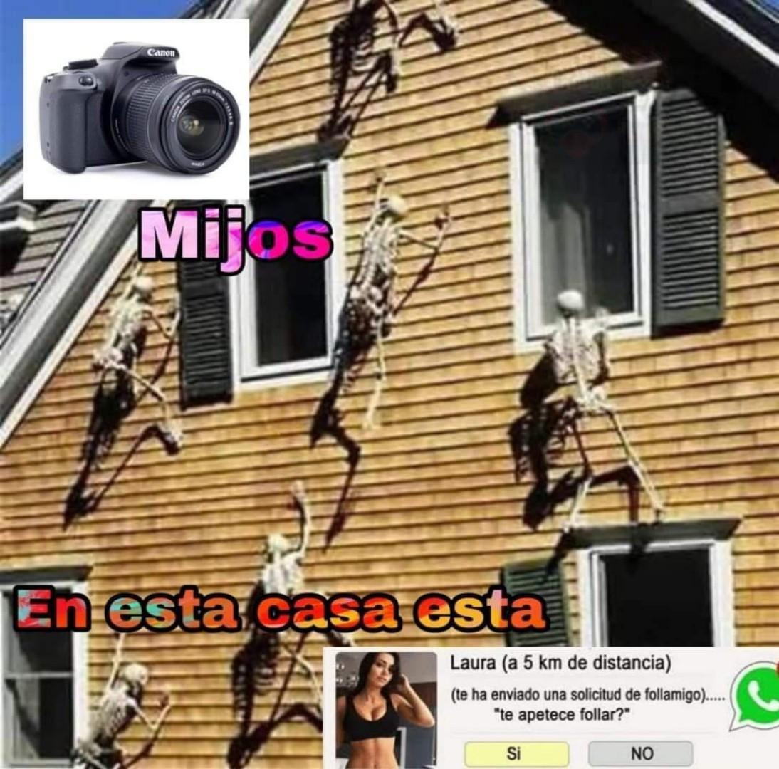 Rara foto de venezolanos llegando a la casa de un otaku qliao (2019 coloreado) - meme
