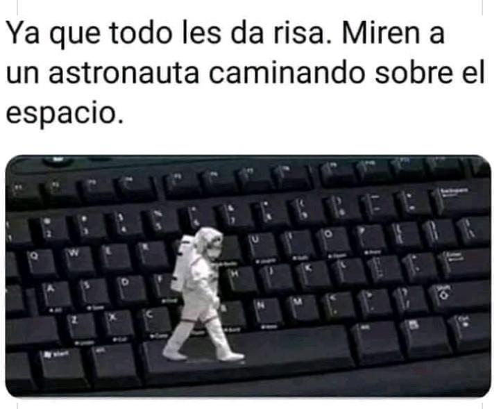 Caminata espacial - meme