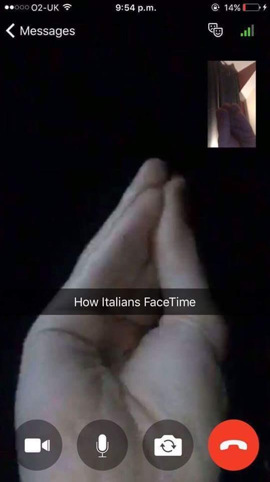 Italianos em uma chamada de vídeo - meme