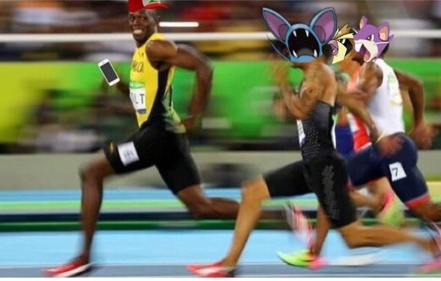 Enquanto isso em pokemon go - meme