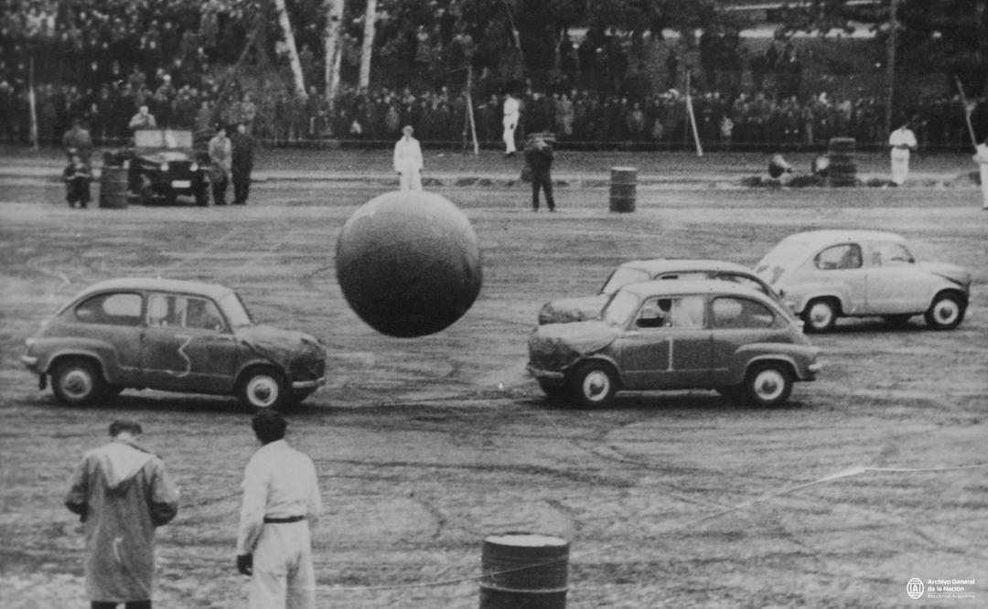 Argentina en plena dictadura civico-militar año 1970 - meme