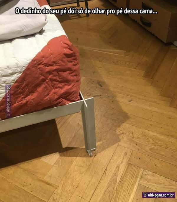 O monstro que projetou essa cama não merece nenhum perdão. - meme