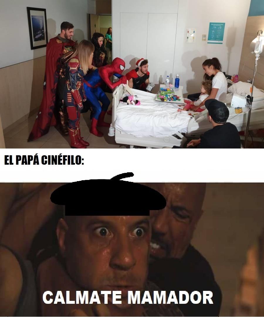 superhéroes en hospitales - meme