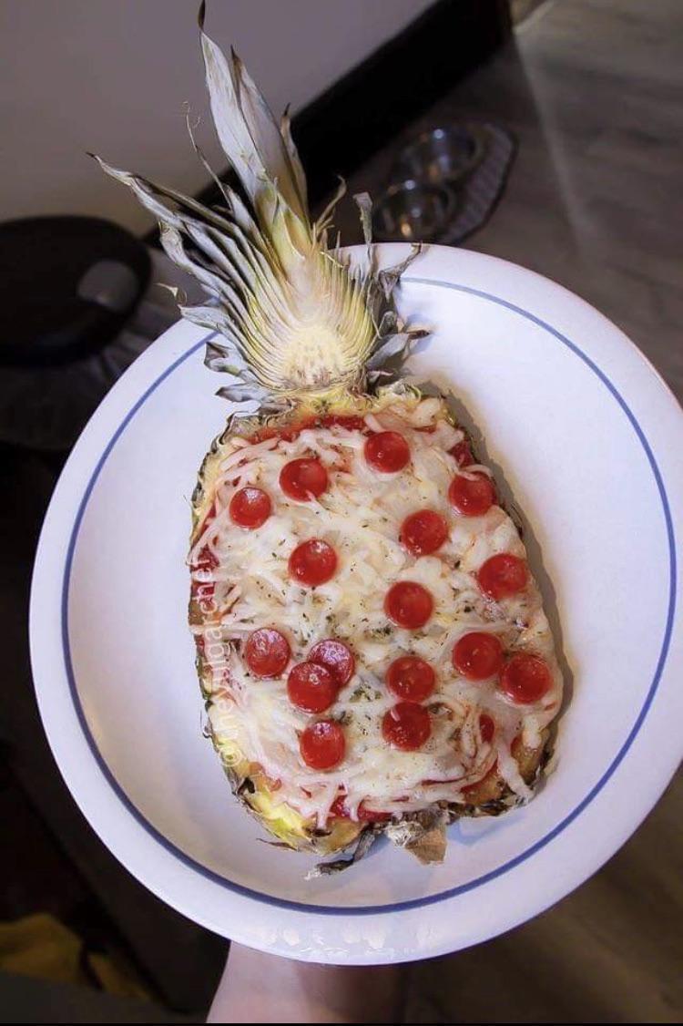 Pineapple pizza - meme